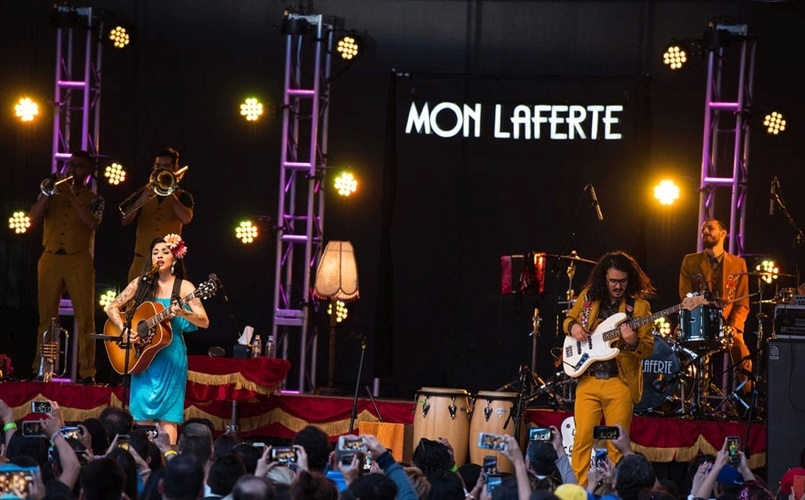 Photo of lighting for Mon Laferte